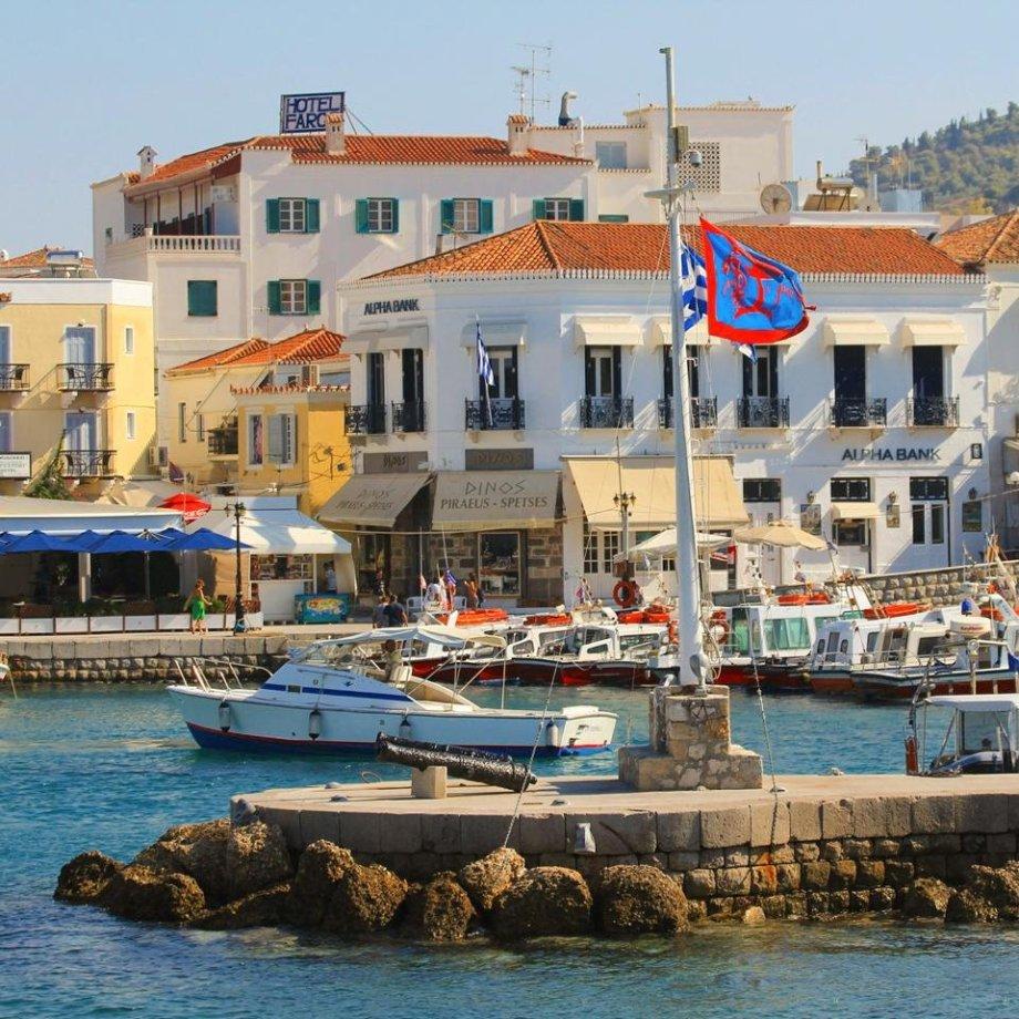 Dapia, Spetses, Alexandris Hotel